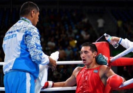 Боксер Алимханулы на шаг приблизился к олимпийской медали в Рио