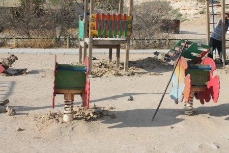 Жители 14 микрорайона Актау недовольны переносом детской площадки