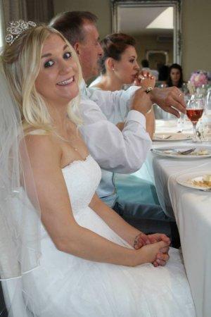 Свадебное платье с печальной историей стало хитом интернет-торгов