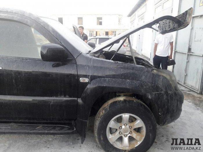 В 29«А» микрорайоне Актау сгорел автомобиль