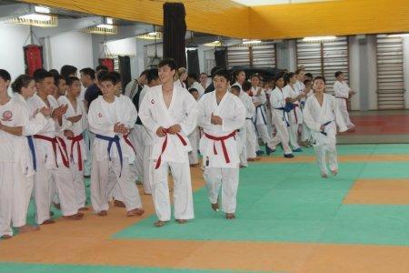 Чемпион мира по карате из Испании Антонио Олива Себа проводит мастер-классы в Актау