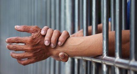 КУИС: заключенные возможно смогут общаться с родными через Skype