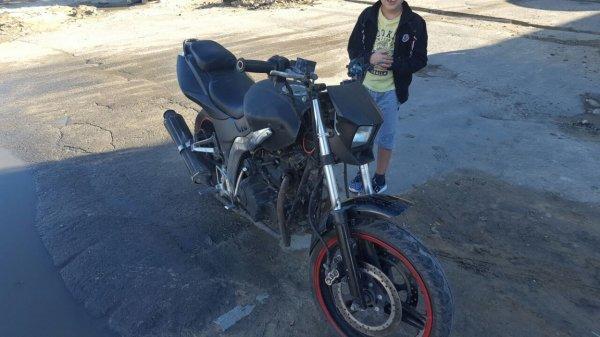 В Актау мотоцикл столкнулся с Daewoo Matiz