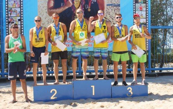 Команда «Каспий» вновь стала первой в финальных играх чемпионата РК по пляжному волейболу