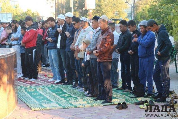 Мусульмане Актау встретили Курбан-айт