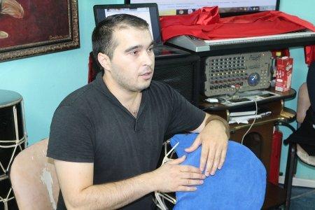 В Актау заслуженный артист Дагестана провел мастер-классы для ансамбля танца «Шадвал»