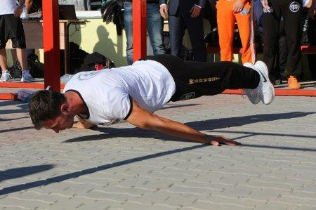Команда «Bar Bars Astana» и Денис Минин демонстрируют свое мастерство на фестивале «Aktau Open Fest». Прямая трансляция