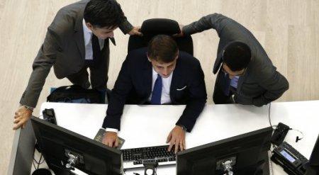 "Нацбанк РК обещает талантливой молодежи трудоустройство ""без блата и поддержки"""