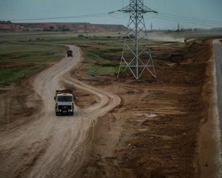 Казахстан планирует в течение двух лет завершить строительство всех дорог к России