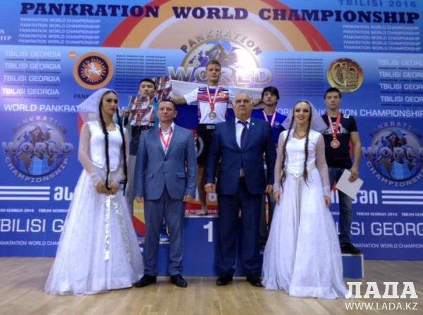 Фариз Абдалов из Мангистау стал чемпионом мира по панкратиону в Грузии