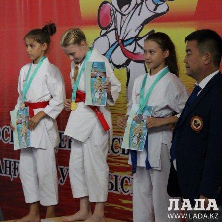 В Актау подвели итоги областного чемпионата по карате-до среди детей от 10 до 13 лет