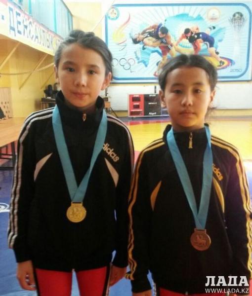 Юные спортсменки из Актау заняли призовые места на международном турнире по вольной борьбе