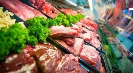 Казахстан ограничил ввоз российского мяса и молока из-за ящура