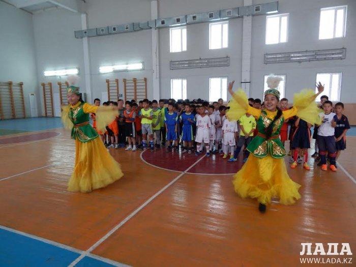 Ученики школы №6 из Кызылтобе-2 завоевали Кубок акима села по футзалу