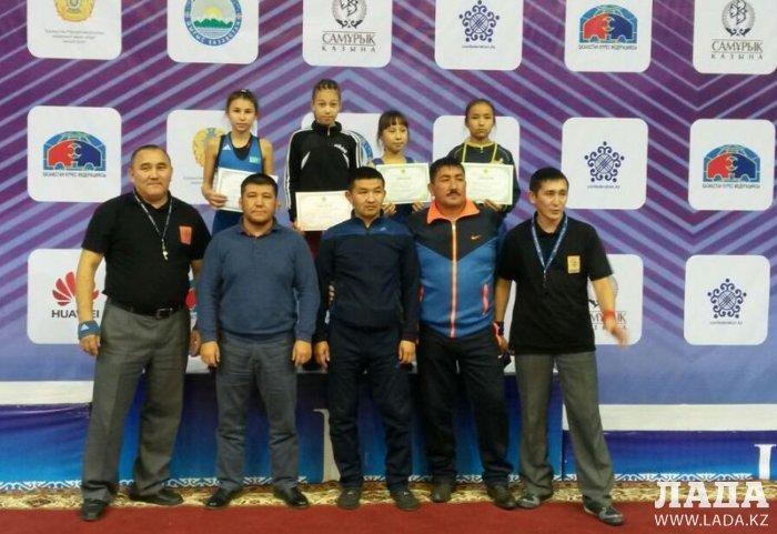 Марал Танибергенова из Актау завоевала золотую медаль на чемпионате Казахстана по вольной борьбе