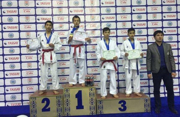 Сборная Мангистауской области заняла второе место на чемпионате Казахстана по карате-до
