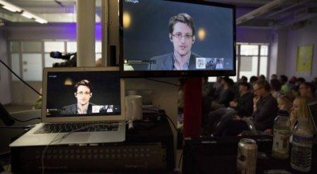 """Сноуден заявил о легализации """"самой мощной слежки в истории западной демократии"""""""