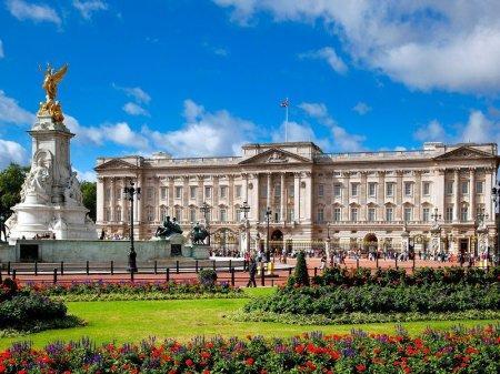 Дом королевы Великобритании отремонтируют почти за 460 миллионов долларов