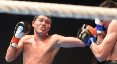 23-летний казахстанец дебютировал с победы на профи-ринге в андеркарте боя Ковалев - Уорд