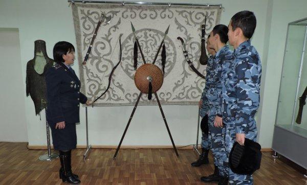 В Актау открылась выставка оружия из фондов областного историко-краеведческого музея