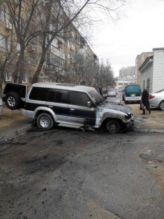 В 14 микрорайоне Актау сгорел автомобиль