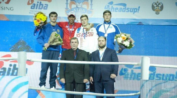 Бекзад Нурдаулетов из Мангистау завоевал бронзовую медаль на молодежном чемпионате мира по боксу в Санкт-Петербурге