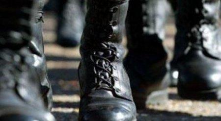 В Атырау повешенным в гараже нашли армейского лейтенанта