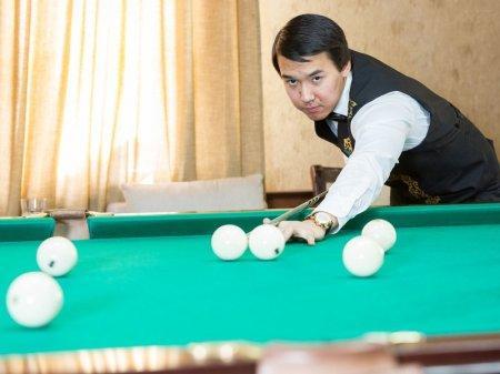 Казахстанец стал чемпионом мира по бильярду