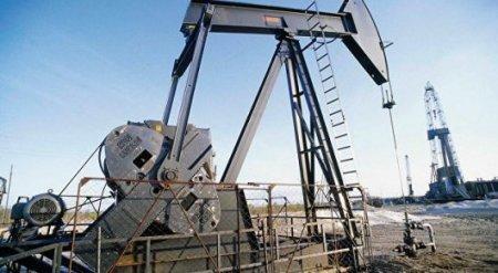 Казахстан согласился сократить добычу нефти - Bloomberg