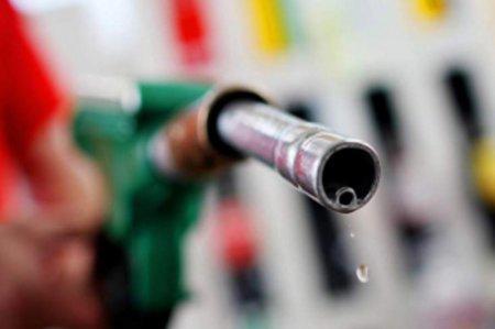 Рост цен на бензин Аи-92 прокомментировали нефтяники