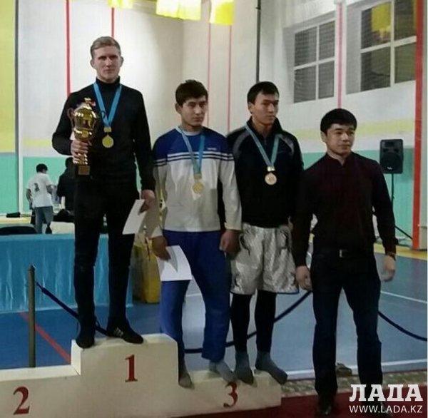 Cпортсмены из Актау завоевали пять медалей на региональном турнире по грэпплингу в Атырау