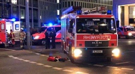 Полиция задержала водителя грузовика, въехавшего в людей в Берлине