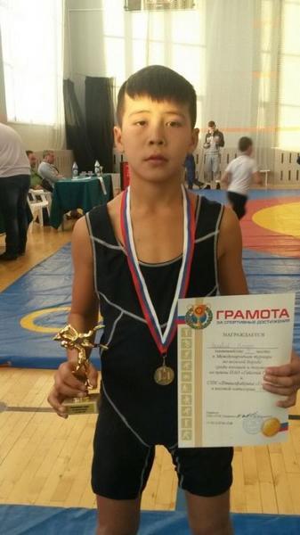 Спортсмены из Актау завоевали девять медалей на всероссийском турнире по вольной борьбе