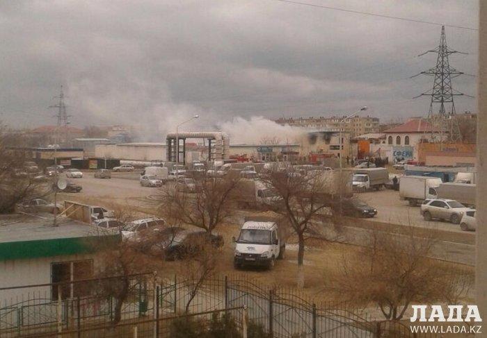 В Актау прохожие спасли двоих детей во время пожара в 22 микрорайоне
